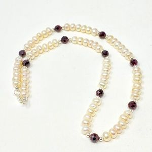 Freahwater pearl and garnet necklace silver detail